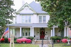 Virginia Magnolia House Bed and Breakfast